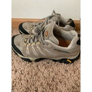 Merrell Moab Ventilator Taupe Shoes Size: 9.5